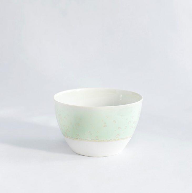 Skål Lille Høj I Hvidt Ler Med Grøn Krystalglasur