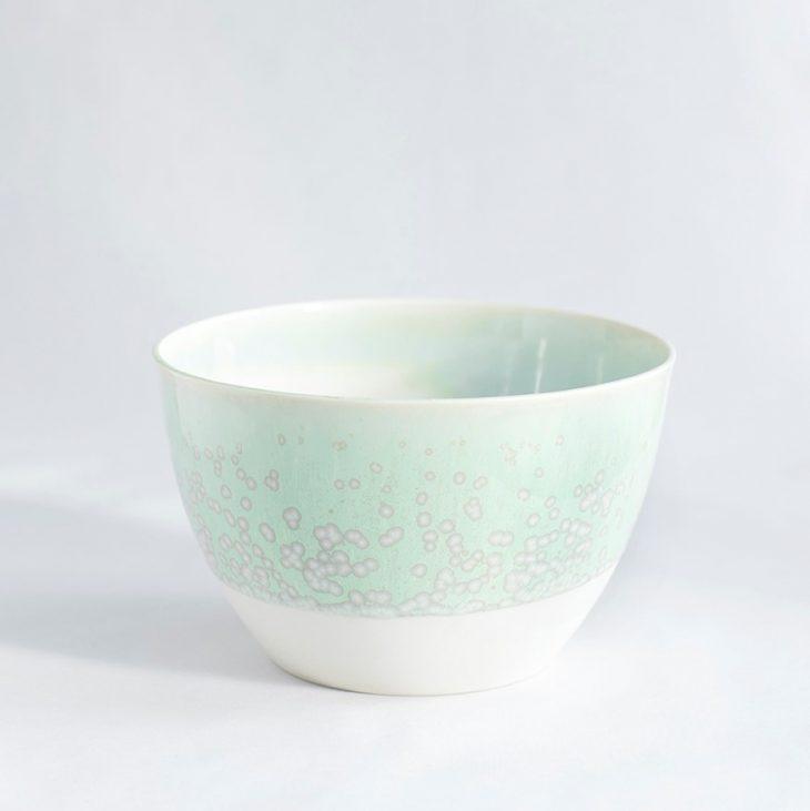 Skål Mellem Høj I Hvidt Ler Med Grøn Krystalglasur