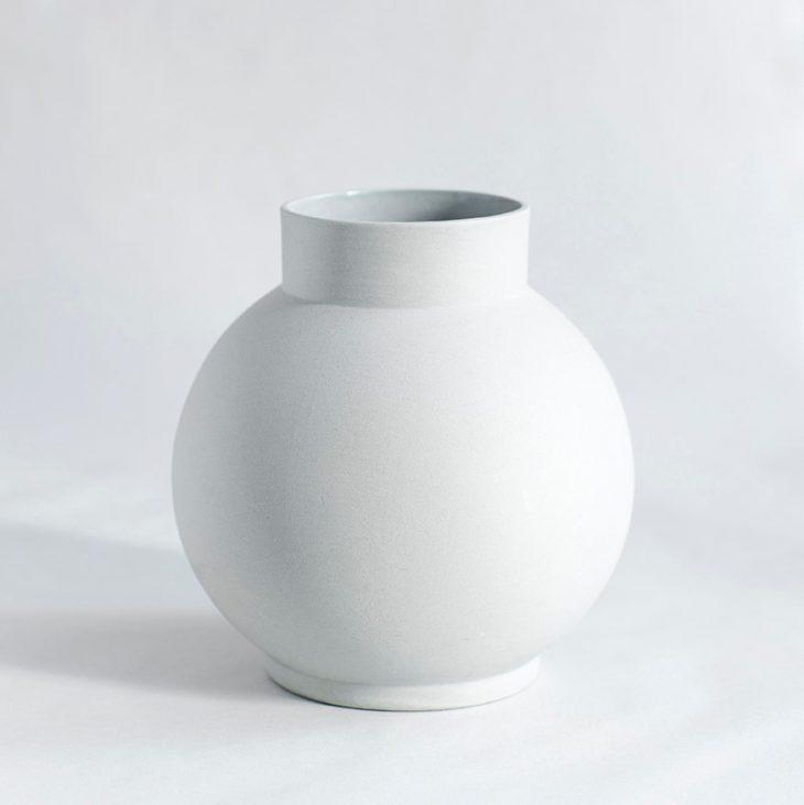 Stor Rund Vase I Mat Grå Ler