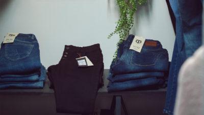 Jeans & kläder