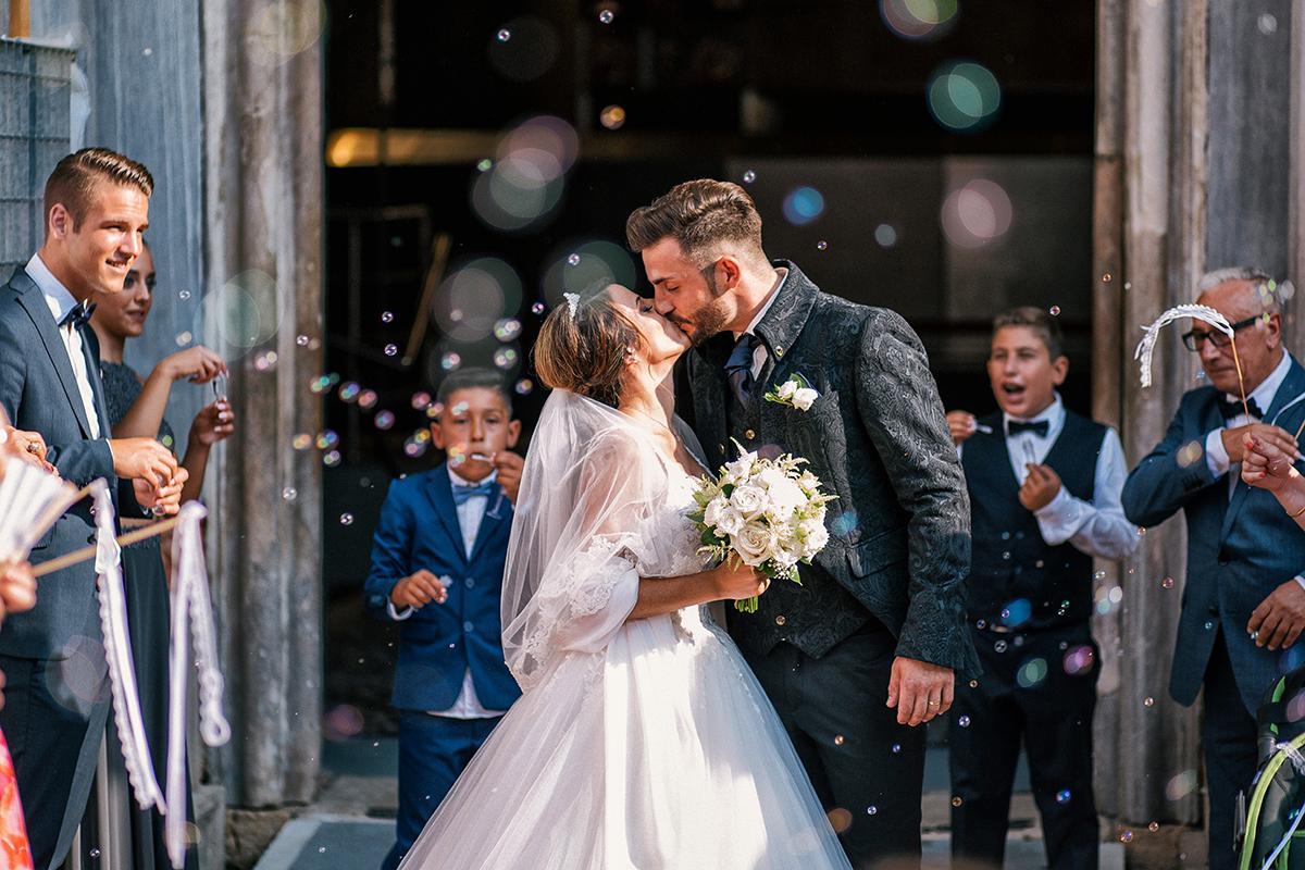 Bryllupsfoto af nygift brudepar