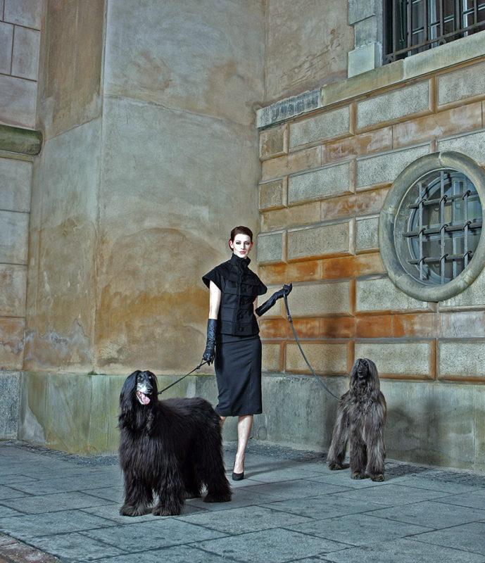 Kvinde med to hunde