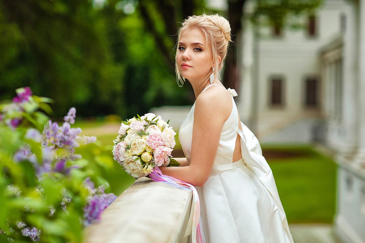 Portrætbillede af brud før bryllup