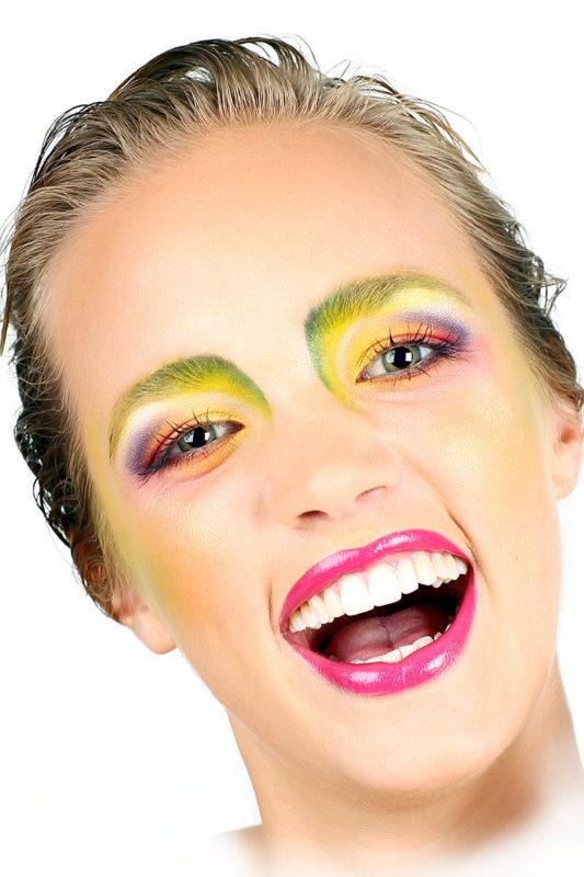 Regnbue makeup kvinde portræt
