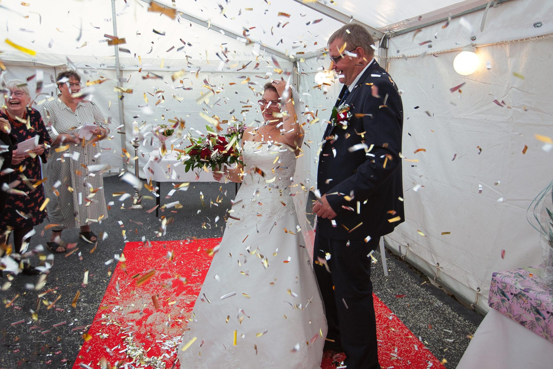 Nygift ældre brudepar