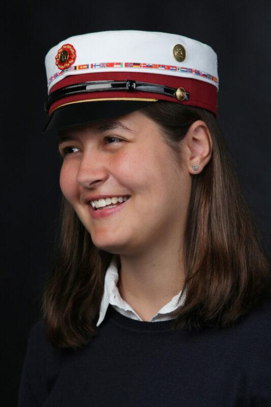 Portrætbillede af færdig kvindelig student