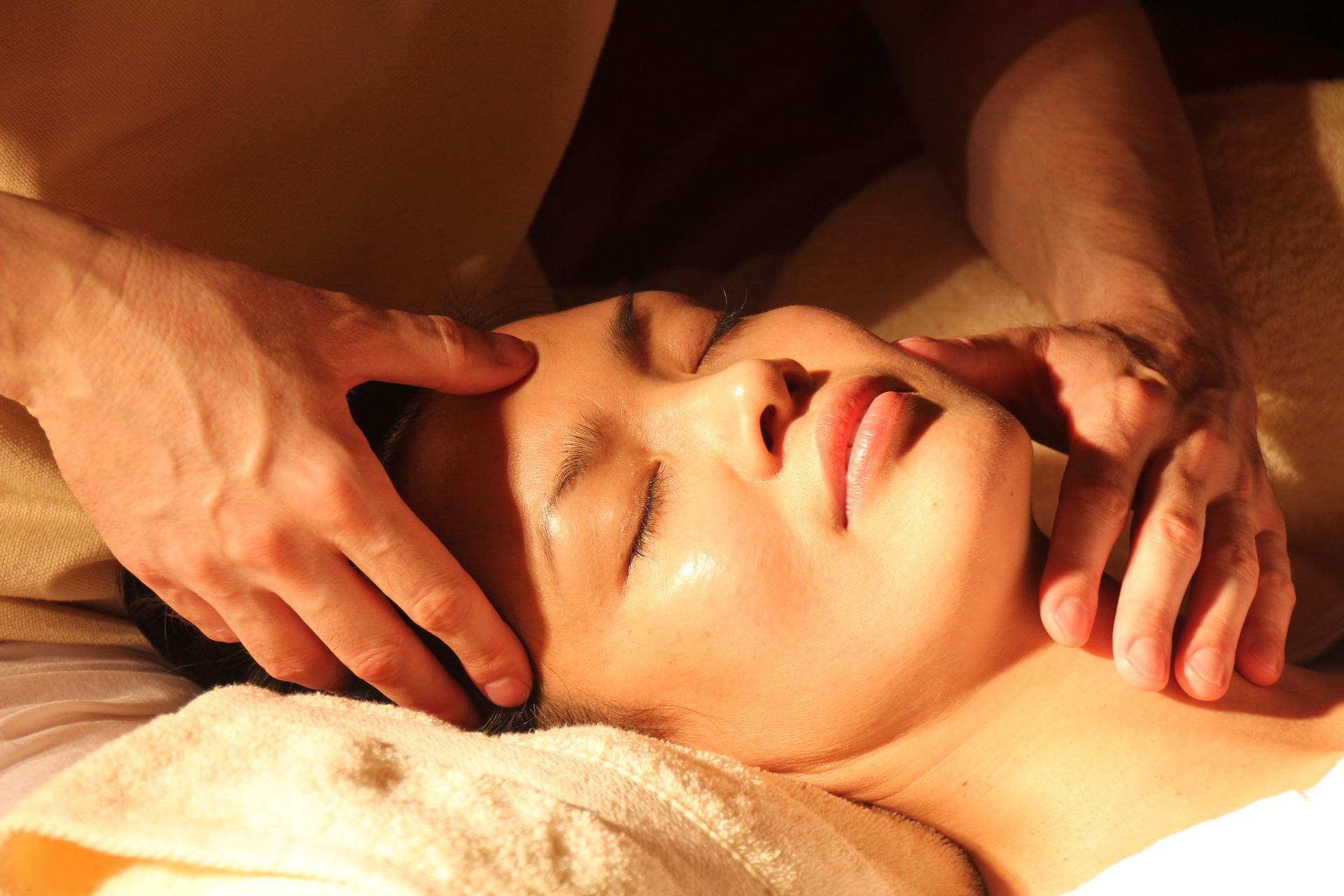 Massage van rug, nek, schouders en gelaat