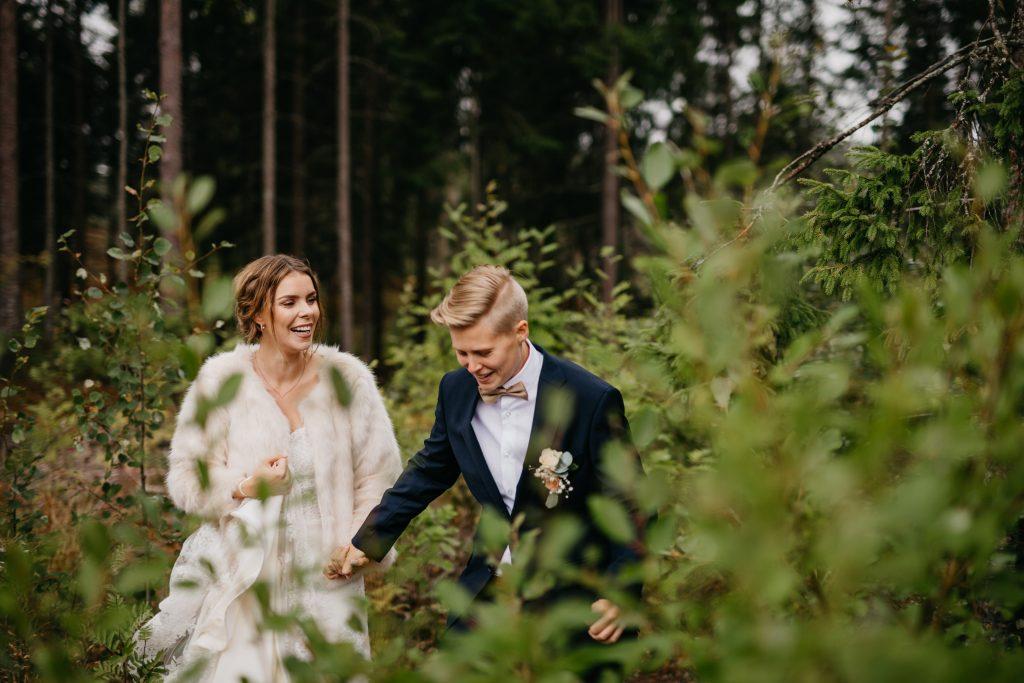 Marita+Susann,Carlberg-gård,moss,bryllup,hagebryllup,utendørs-sermoni,DIY,rustic,barn-wedding,rustikk,låvebryllup15