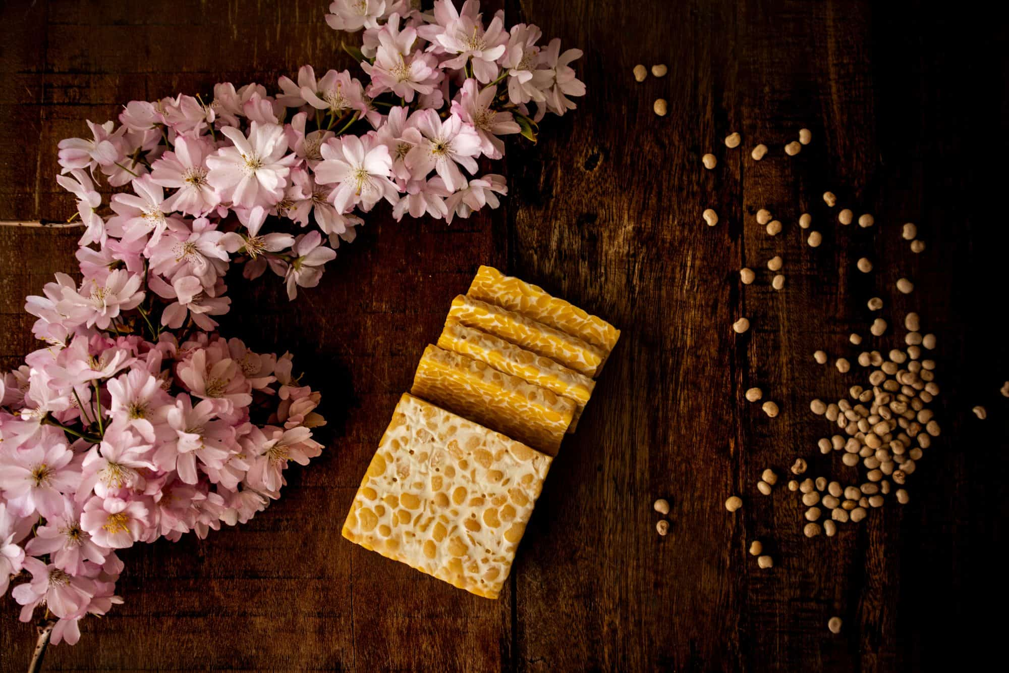 Lupinta tempeh and lupin flowers