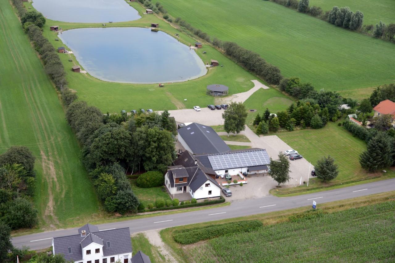 Gunderup Fiskesø, hvor man kan fange regnbueørreder, ligger nær Limfjorden.