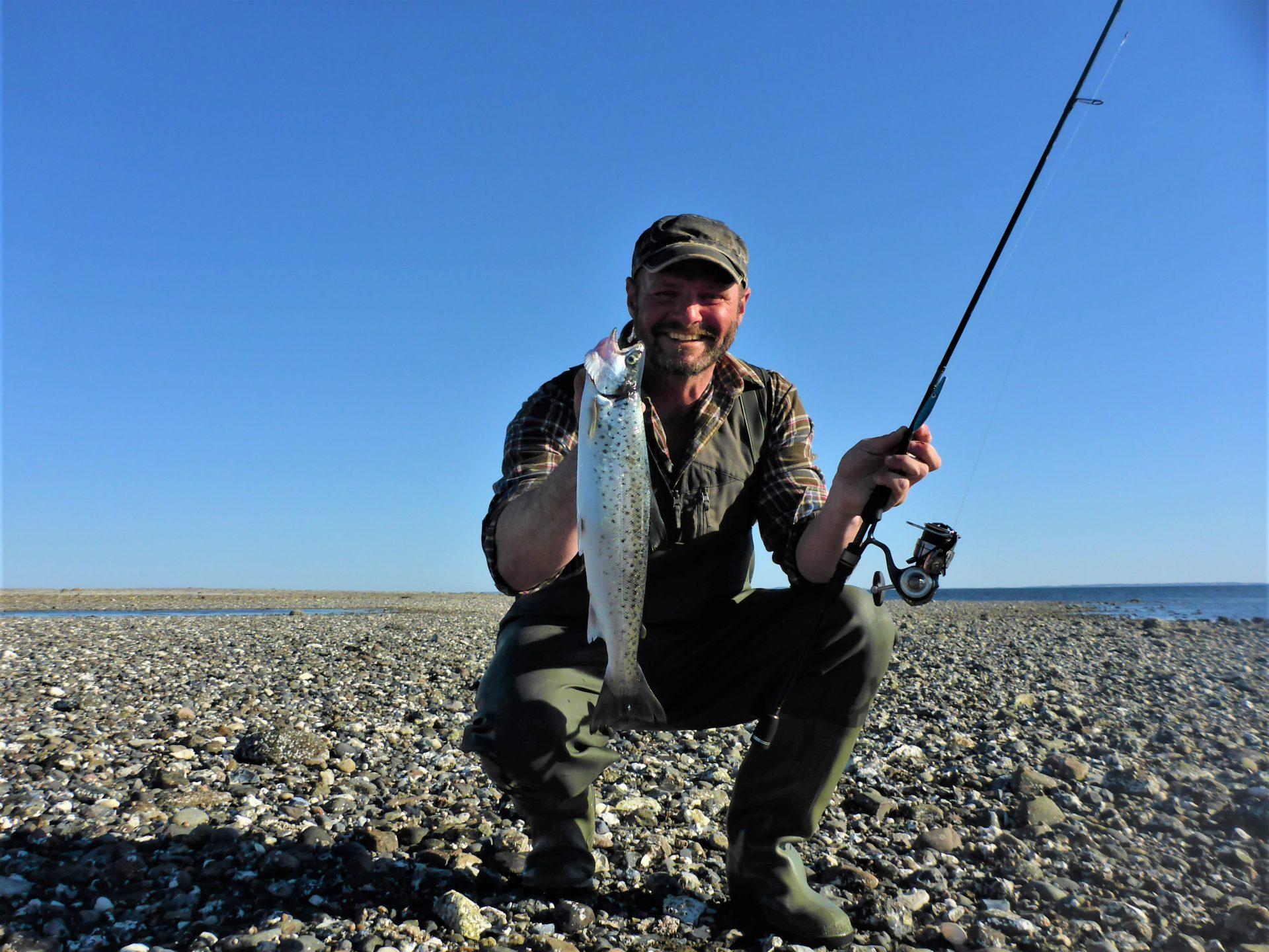Holm Tange byder på spændende havørredfiskeri. Et godt bud på en havørredplads i Limfjorden.