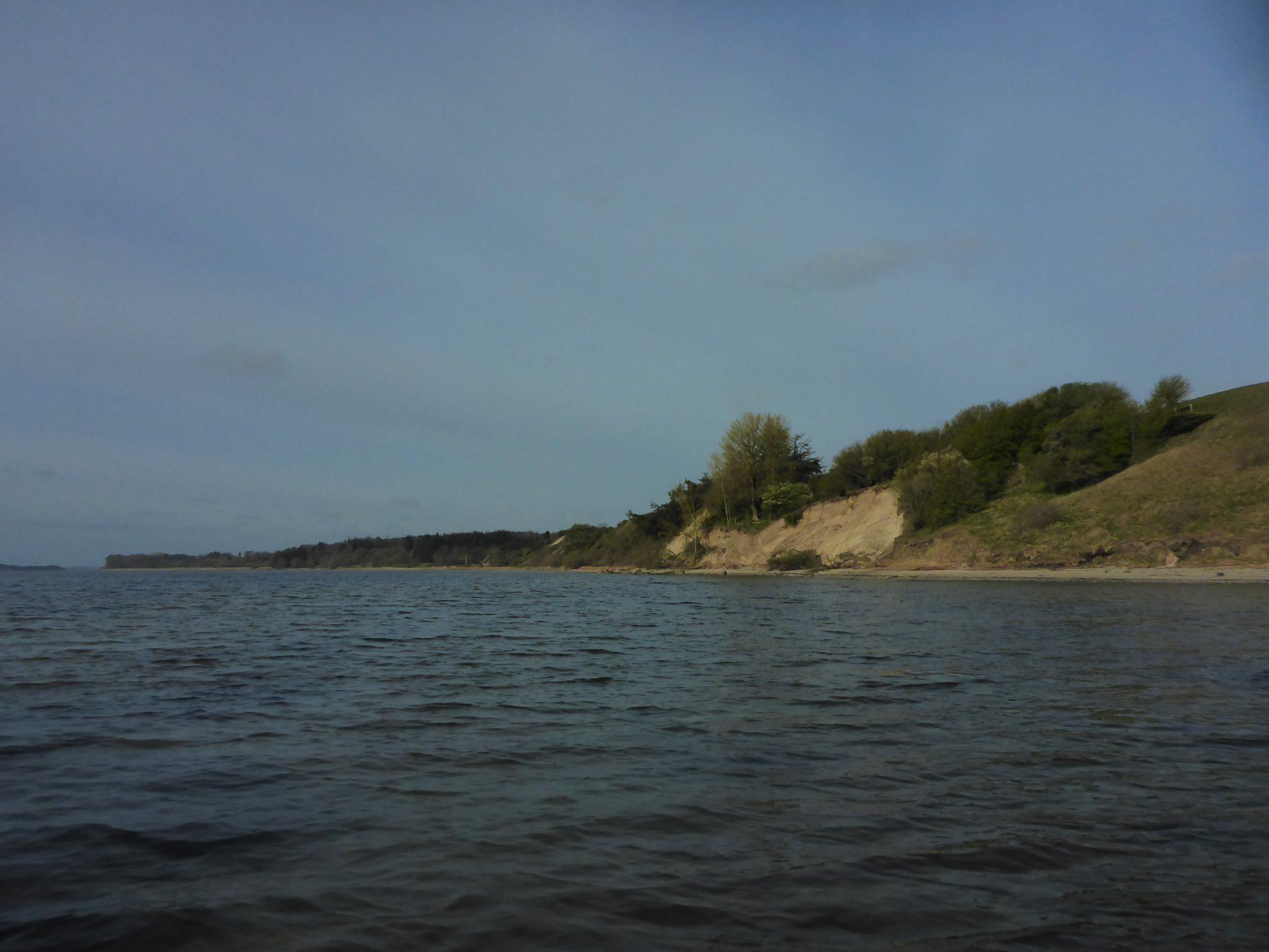 Skovgårde ved Louns Bredning er en af Limfjordens bedste fiskepladser til fangst af havørred i sommerhalvåret.