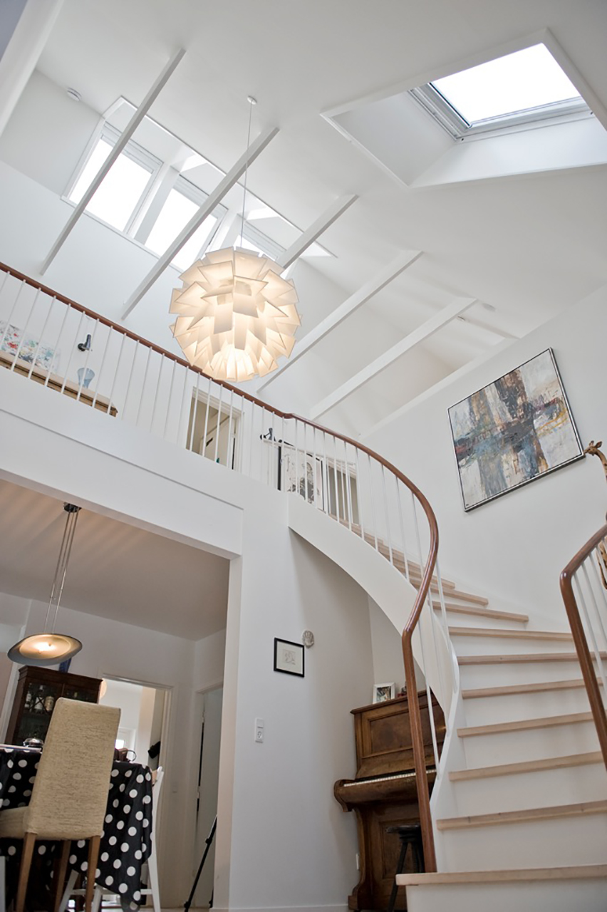 Husets nye 1. sal har fået rytterlys.