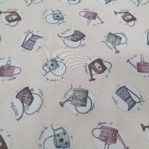 Telas Magomar Patch - colección Un Día de Picnic - motivo Regaderas con palabras - fondo vainilla y colores empolvados - El Altillo de los Duendes - las telas de NEVY 100% Algodón -Ref. MP87562051 (2)