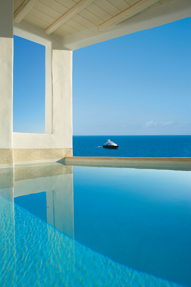 inner-pool-with-fascinating-view-over-the-Mediterranean-sea