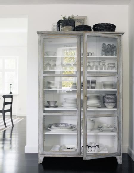 glass_gray_cabinet