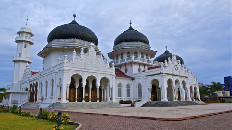 Mosque: Place of worship and of culture