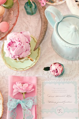 Pink & turquoise flower photography by Marianne Taylor (flowers by Fairynuffflowers). Click through to see more.