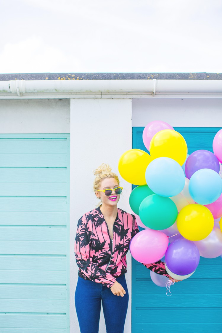 Colourful Cornwall lifestyle photography with Lucie Rose Donlan by Marianne Taylor. Click through for more!