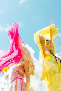 Colourful sky & sun lifestyle shoot in Cornwall. Lifestyle photography by Marianne Taylor.