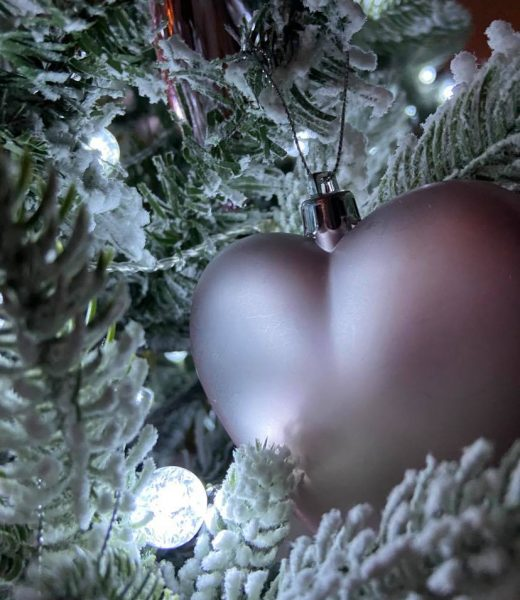 Christmas heart bauble