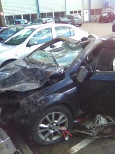 Cabriolet smadret efter uheld