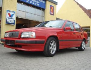 Rød Volvo 850