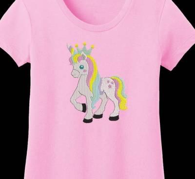 belle licorne avec sa couronne
