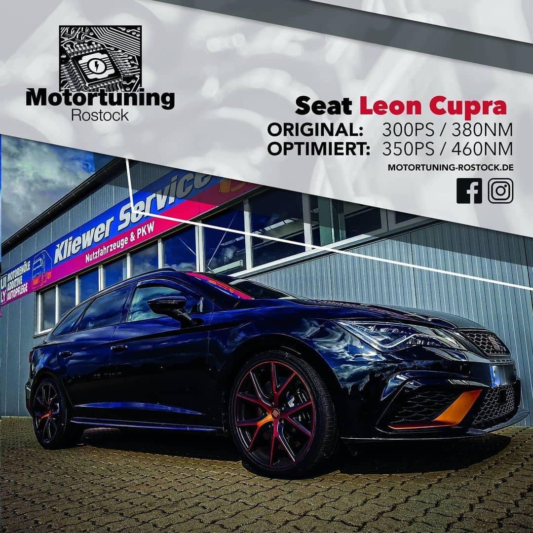 Chiptuning-Motoroptimierung-Rostock, Dunkelblauer Seat Leon Cupra, Ansicht schräg vorn, Originalleistung 300 PS, Optimierung auf 350 PS