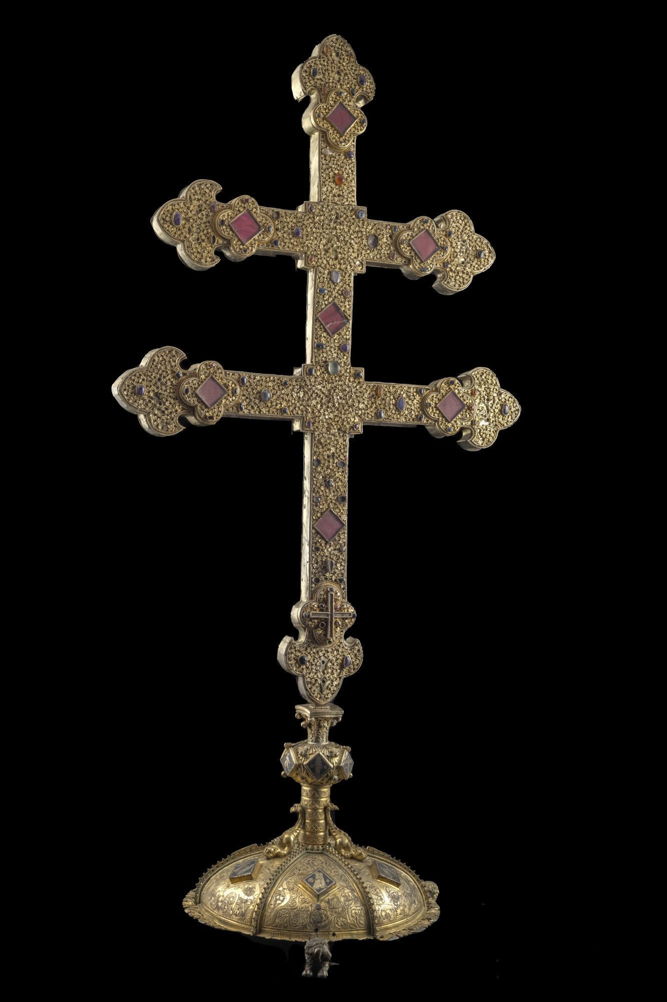 Croix-reliquaire à double traverse