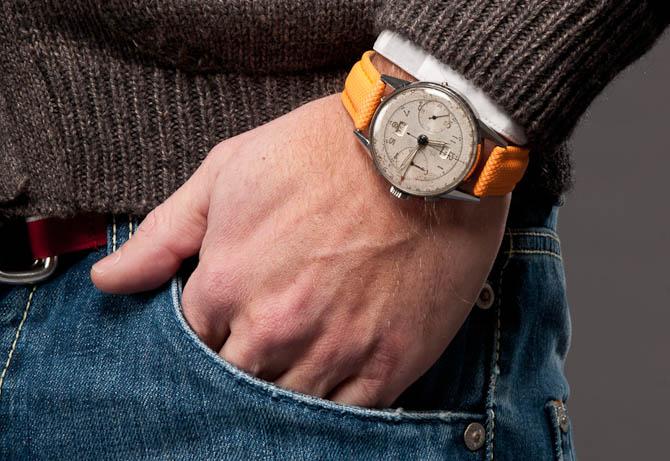 Det var så lige en af de ting, du ikke kan få på udsalg, hvis du altså kigger på uret. Det er den gamle Angelus, der tikker højt.