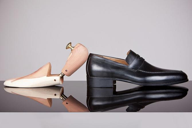 Sko-træ eller sko-blokkere er også en mulighed