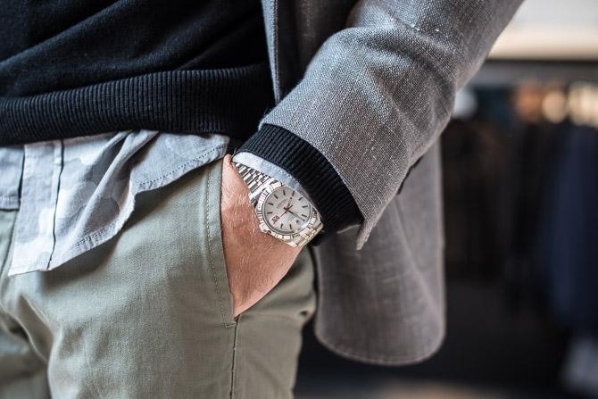 Klokkeværk fra Rolex med blandt andet rød dato