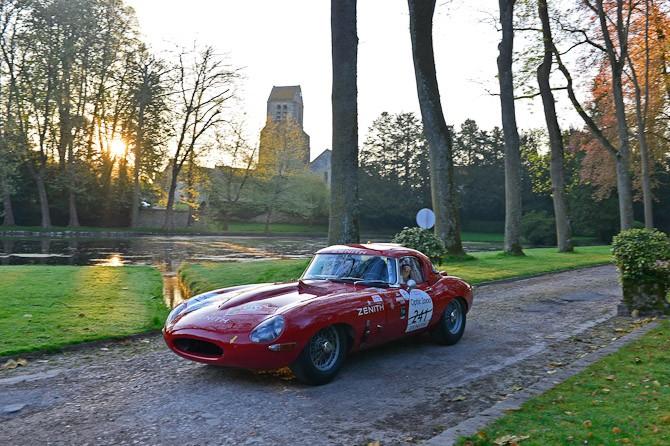 Det skal handle om ældre, men flotte biler i dag...