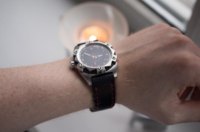 Dennis har skabt uret her fra bunden. Den vender jeg tilbage med mere info om...
