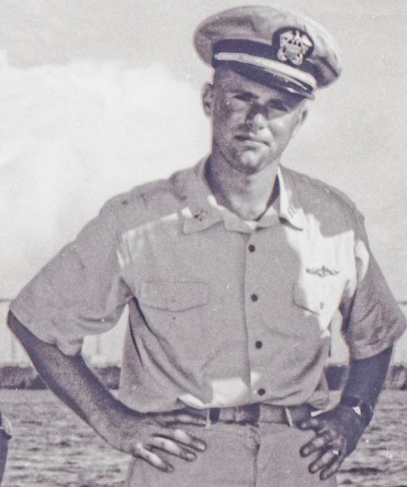 Don Walsh - efter sigende det eneste foto af manden med et JeanRichard Aquastar omend det er svært at se. Foto: Nayhistory.org