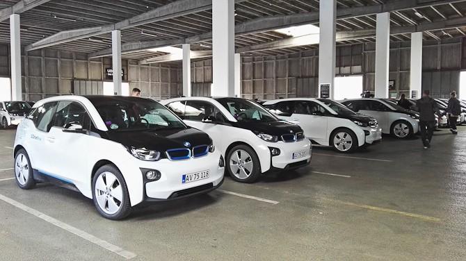 Her er der faktisk meget kort mellem BMW i3'erne. Men det var også lanceringsdag..