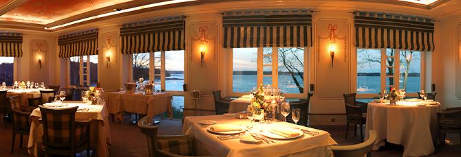 Selvom maden bestemt fortjener mange rosende ord, var det udsigten ud over Flensborg Fjord, der fuldendte min aften på restauranten Meierei Dirk Luther.