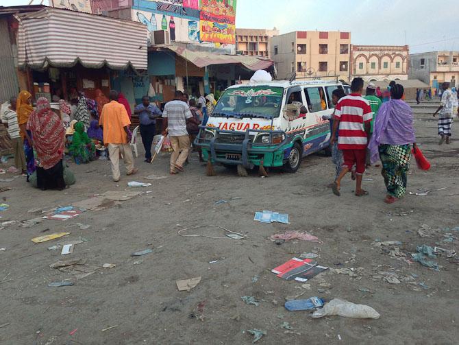 Stemningsbillede fra torvet i Djibouti.