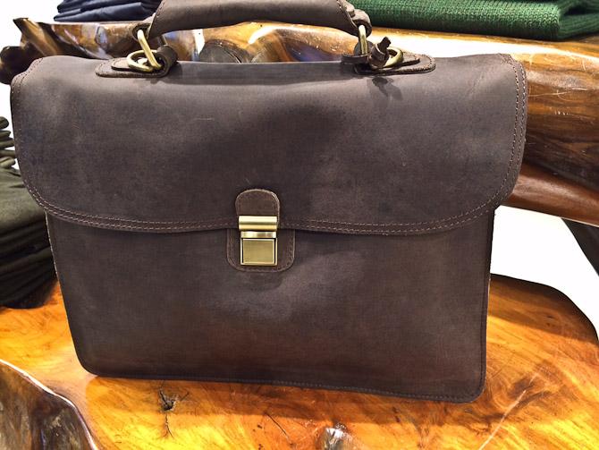 Velorbis taske i bøffelskind til 1.800 kroner
