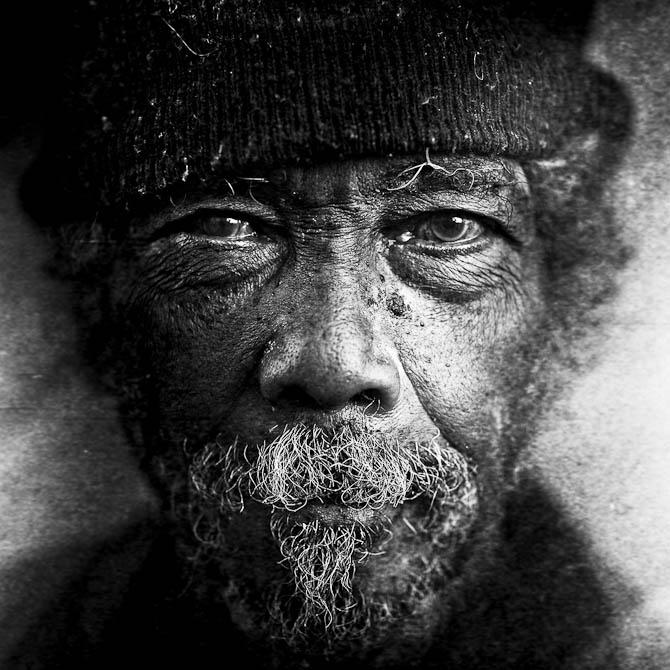 Fotografen Lee Jeffries har stået for en serie af portrætfotos til YellowKorner.