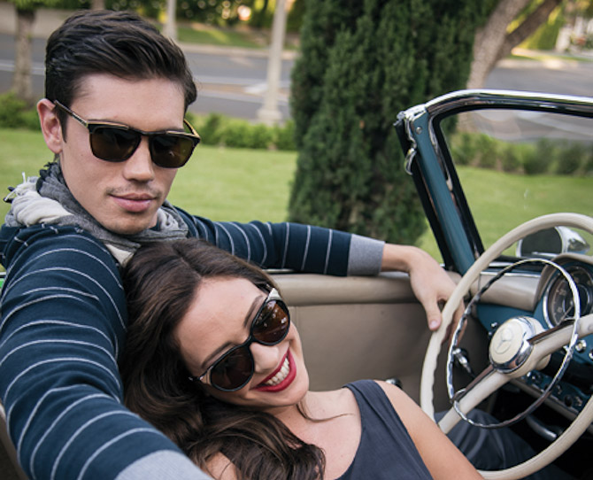 Måske en smule amerikansk, selvom bilen er tysk. Men vent du bare - der er flotte briller i vente...