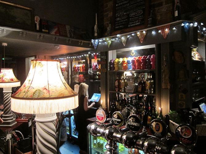 """En tilfædig """"pub"""" i Castle Street"""