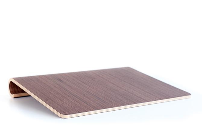 En MacBook Stand i sin rene - og bæredygtige - form