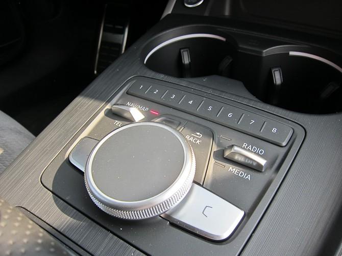 """Nye knapper og hjul - og du kan """"tegne"""" på det runde hjul, når du fx skal skrive en adresse"""