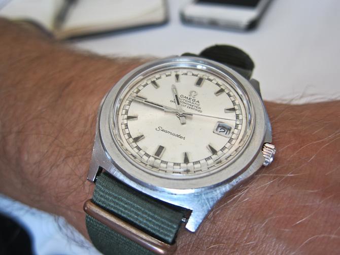 Mit Omega af ældre dato. Et chronometercertificeret Seamaster med en caliber 564. Remmen? Den kunne muligvis fornys - der er nemlig noget i gære på den front hos Omega