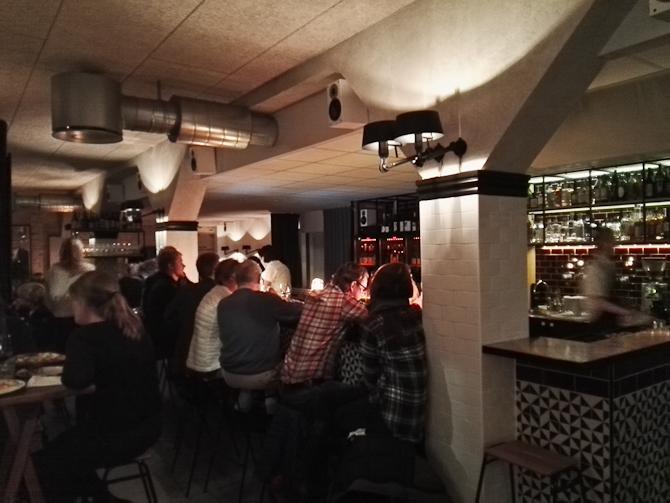 En flot besøgt bar