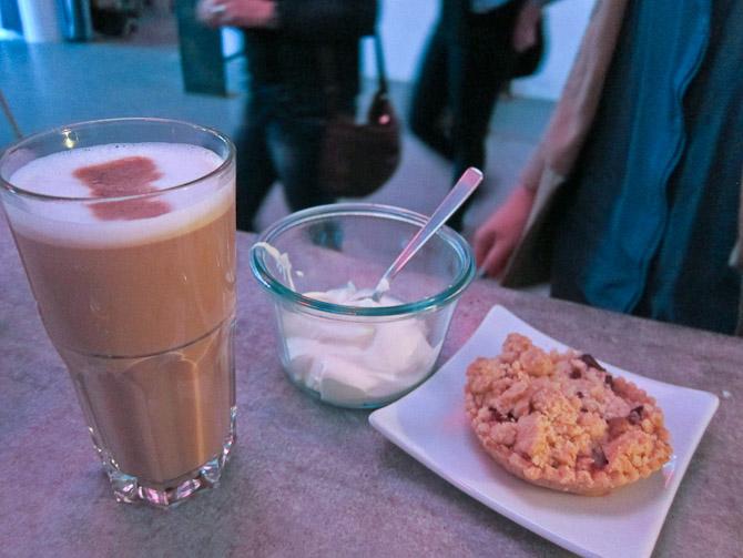 Rabarber dessert med kaffe og creme fraiche