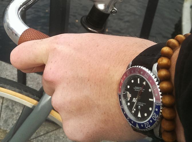 Det er dette ur, der blev drømt om - men uden denne rem... I hvert fald til at begynde med. Og remmen har en fantastisk historie.