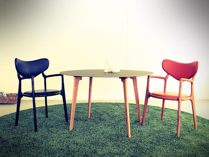 Salon Chair & True Table